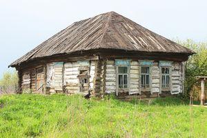 Непригодный для проживания дом