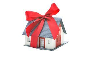 Нюансы и сложности при оформлении дарения квартиры близкому родственнику