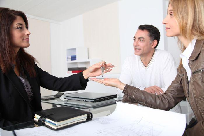 Права и обязанности сторон договора дарения доли квартиры между родственниками