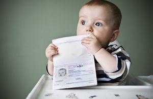 Как прописать ребенка с матерью или отцом