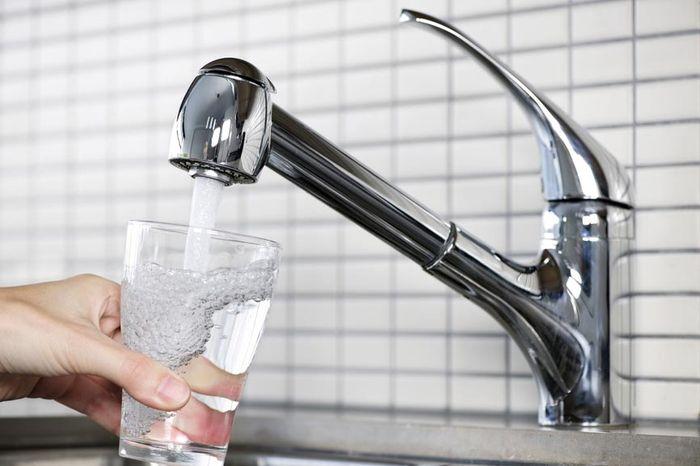 Значение тарифов на горячую и холодную воду в России