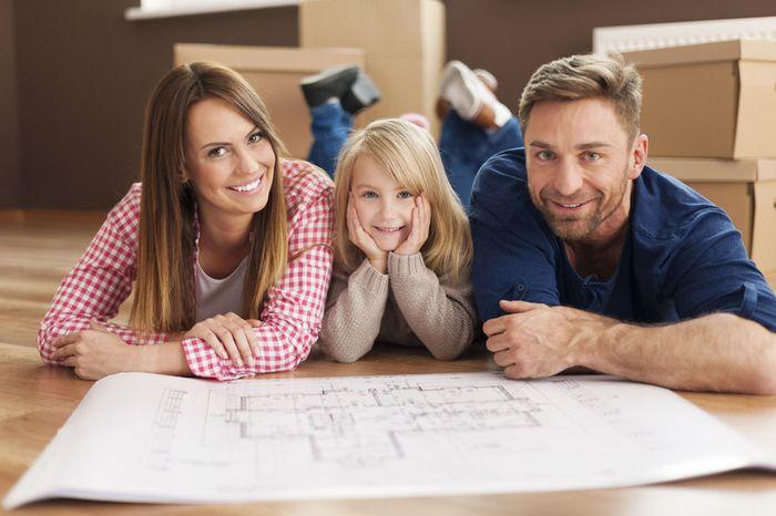 Кто может стать участником программ по улучшению жилищных условий молодым семьям